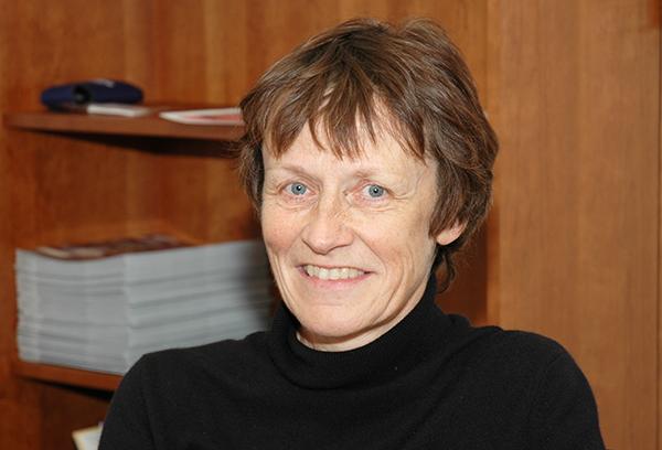 Former Ph.D student Renée Heilbronner receives 2016 Stephan Mueller Medal