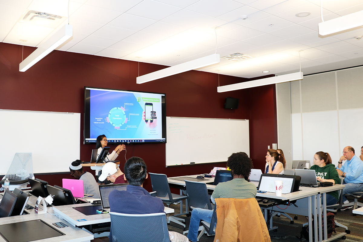 Canserina Kurnia, Esri solutions engineer, teaching a GIS software training at Texas A&M. (Photo by Leslie Lee.)