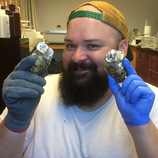 Texas Sea Grant Aquaculture Specialist Can Assist in Oyster Farming Permitting Process thumbnail