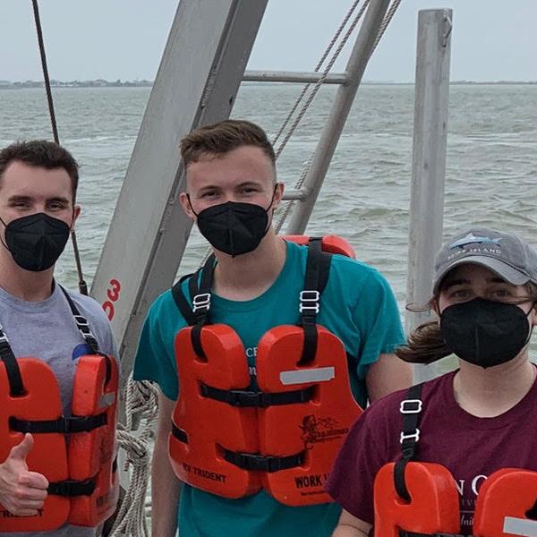 Oceanography Cruises Return for Undergraduate Students thumbnail