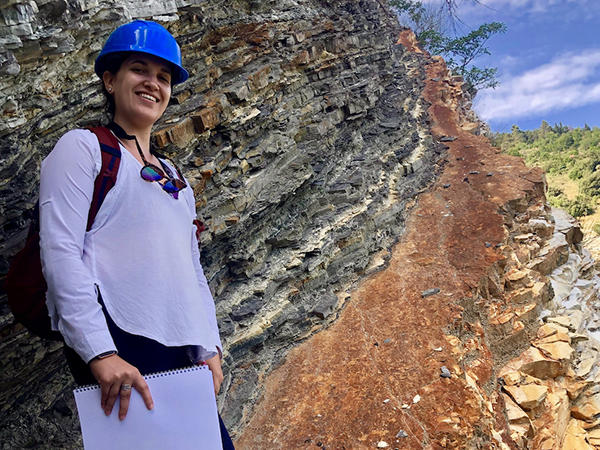 Danielle Schimmenti at the Bonarelli Level, a famous sedimentary sequence, in Furlo, Italy. (Photos courtesy of Danielle Schimmenti.)
