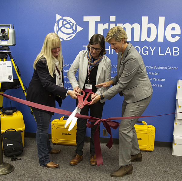 College Of Geosciences At Texas A&M Establishes Trimble Technology Lab thumbnail